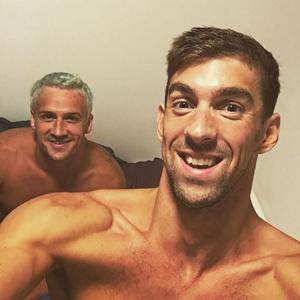 Ryan Lochte e Michael Phelps na Vila Olímpica do Rio (Foto: Reprodução / Instagram)