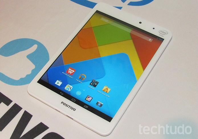 Tablet da Positivo Mini Quad é o primeiro com chip quad-core Intel Atom  (Foto: Paulo Alves/TechTudo)