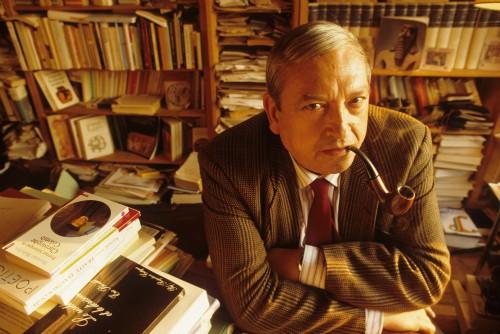 Foto (Foto: O historiador francês Jacques Le Goff em seu escritório em 1988 / Foto de Jean-Pierre Couderc / AFP)