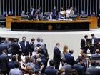 Deputados negociam 'urgência urgentíssima' para fim de 14º e 15º