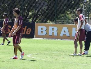 jogadores no treino Atlético-MG  (Foto: Lucas Fernando / Globoesporte.com)