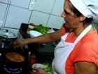 Dona de bar em Goiânia ensina a receita de Moqueca de Surubim