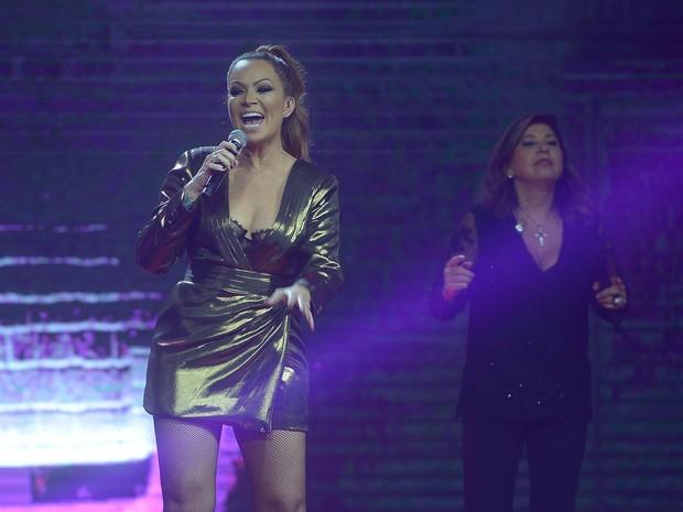 Solange Almeida e Roberta Miranda em gravação de DVD em São Paulo (Foto: Francisco Cepeda/ Ag. News)
