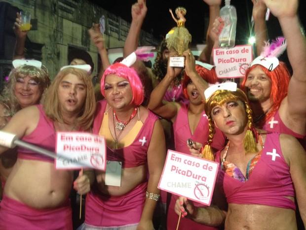 Baile das escandalosas foi realizado na noite de segunda-feira (9), em Antonina  (Foto: Diego Sarza / RPC )