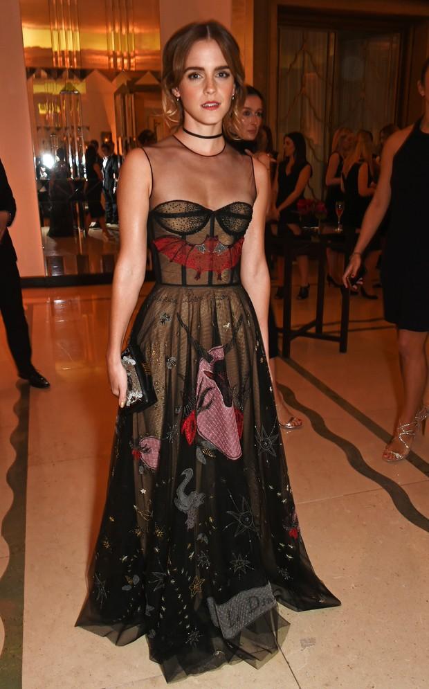 3de95aca5 EGO - Veja o estilo de Emma Watson e mais em prêmio em Londres ...