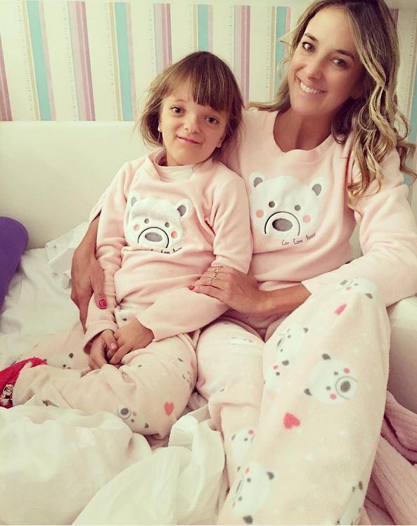 Rafaella Justus e Ticiane Pinheiro posam com pijamas iguais (Foto: Reprodução/Instagram)