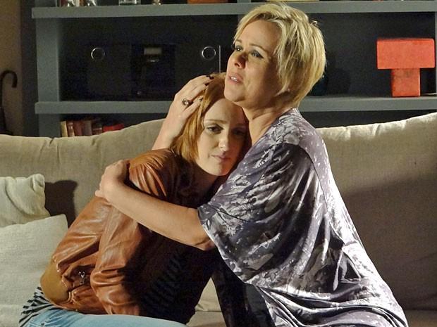 Priscila reconhece que errou e faz as pazes com Laura (Foto: Amor Eterno Amor/TV Globo)