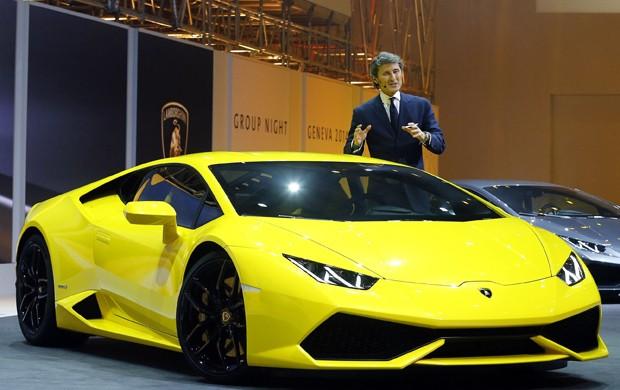 Lamborghini Huracán LP 610-4 foi apresentado na véspera do Salão de Genebra (Foto: Arnd Wiegmann / Reuters)