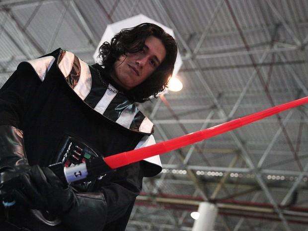 Na Campus Party, Fabrício Weidler, de 24 anos, fala sobre ser 'sósia' de Kylo Ren, de 'Star Wars' (Foto: Fabio Tito/G1)