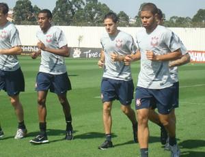 aderson Polga, Edenílson, Martínez, Guerrero e Guilherme Andrade em treino do Corinthianstreino   (Foto: Rodrigo Faber/ Globoesporte.com)