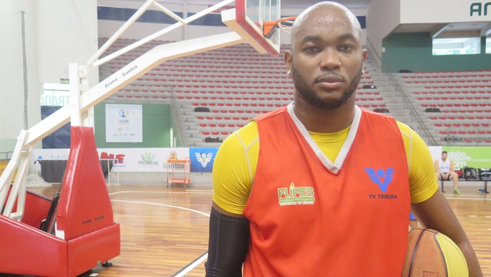 Ricardo Gaspar, ala-pivô do Internacional basquete (Foto: Antonio Marcos)
