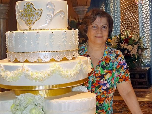 Sônia Azeredo, cake designer responsável por parte dos doces e do bolo de casamento (Foto: Gabriela Duarte / Gshow)