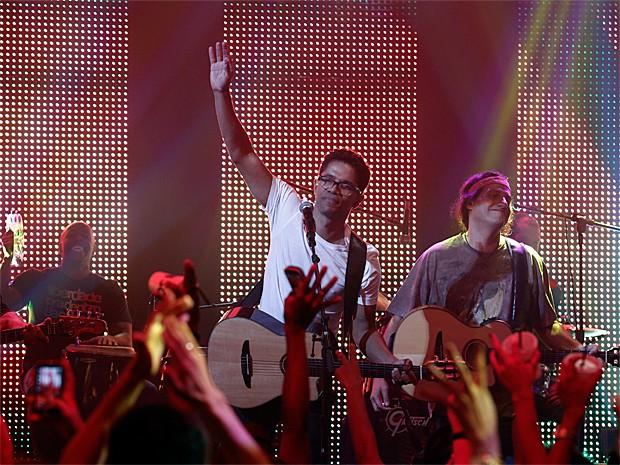 Natiruts arrebentando na gravação de Malhação (Foto: Inácio Moraes / Gshow)