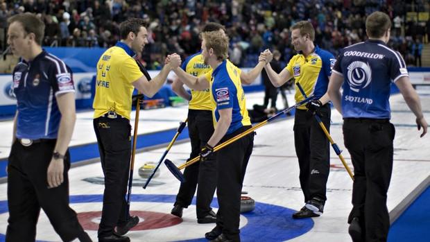 Suécia vence Escócia no Mundial de Curling (Foto: Reuters)