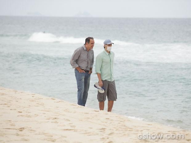 Humberto Martins e Reynaldo  (Foto: Em Família / TV Globo)