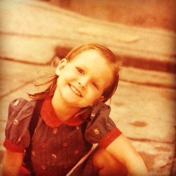 Fernanda Rodrigues relembra infância (Foto: Reprodução/Instagram)