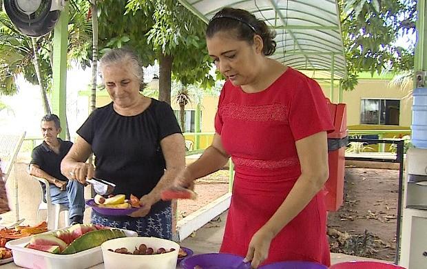 Socorre Neves é voluntária há 15 anos  na Casa do Ancião em Porto Velho (Foto: Bom Dia Amazônia)