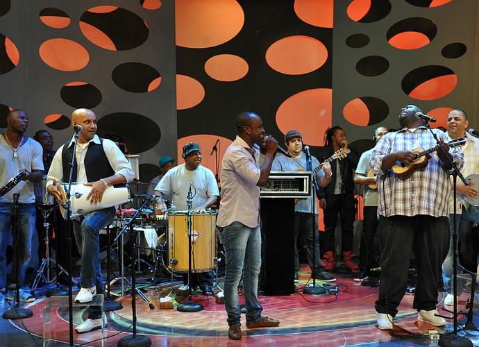 Exaltasamba se apresentando no palco do Caldeirão do Huck, em 2011 (Foto: TV GLOBO / Matheus Cabral)