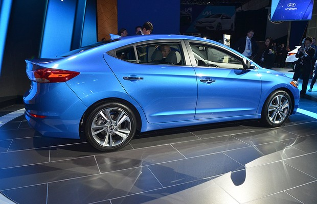 Hyundai Elantra no Salão de Los Angeles 2015 (Foto: Newspress)