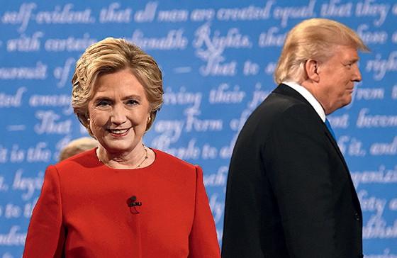 Hillary Clinton e Donald Trump. O debate mostrou diferenças de conteúdo entre eles (Foto: Timothy A. Clary/AFP)