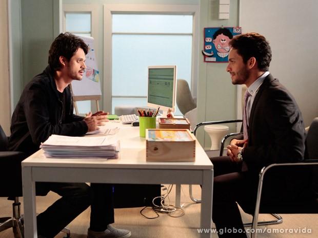 Rafael conversa com renan sobre Linda (Foto: Pedro Curi/ TV Globo)