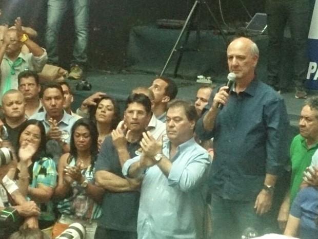 O ex-governador José Roberto Arruda (PR), durante coletiva em que anunciou que vai recorrer da decisão do TSE (Foto: Mateus Rodrigues/G1)