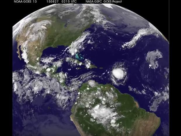 Satélite da Nasa mostra a tempestade tropical Erika avançando pelo Caribe (Foto: NASA/NOAA GOES Project/ Reprodução/ NASA.gov Video)