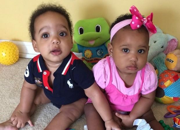Os gêmeos Kennedy-Josephine e Konrad (Foto: Reprodução/Instagram)