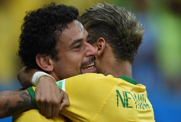 Fred e Neymar (Foto: AFP)