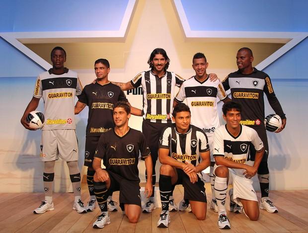 Botafogo faz o lançamento oficial de seus uniformes para a temporada Botafogo2_agif