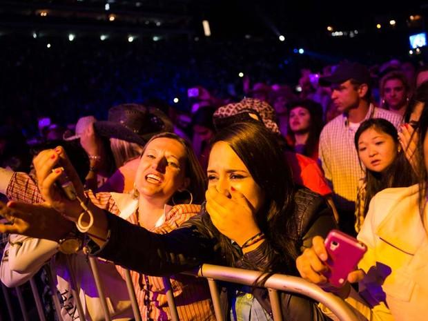 Fãs choraram com apresentação de Gusttavo Lima na arena (Foto: Érico Andrade/G1)