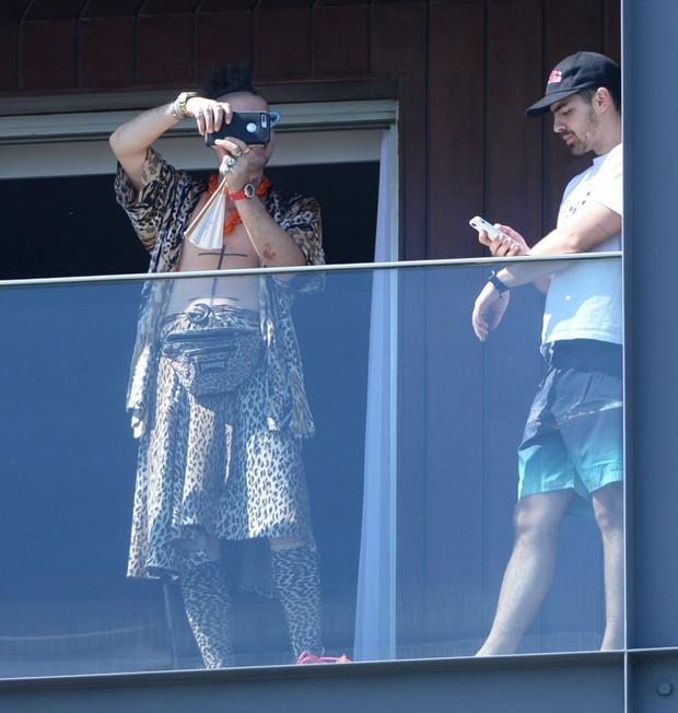 Joe Jonas e Cole Whittle  (Foto: VINICIUS MARINHO/Brazil News)
