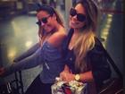 Acompanhada por amiga, irmã de Neymar volta ao Brasil