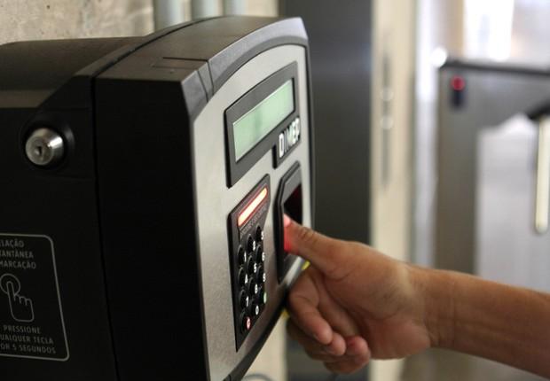 Sistema de ponto eletrônico ; chegar no horário no trabalho ;  (Foto: Agência Brasil)