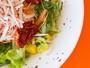 Se tem o Dia do Hambúrguer e da Batata Frita, por que não tem o Dia da Salada?
