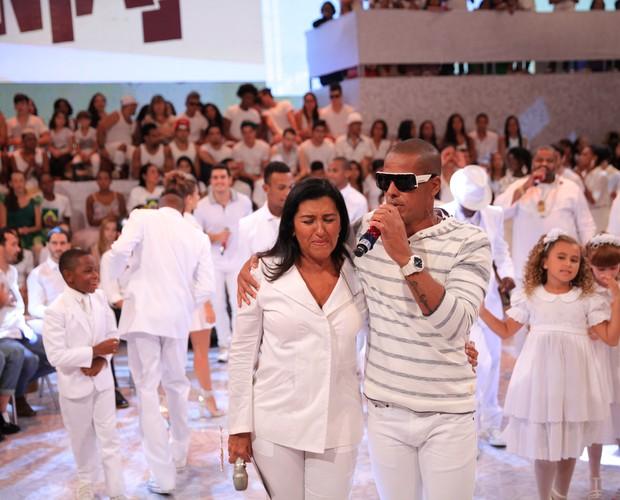Regina Casé e Leandro Sapucahy (Foto: TV Globo/João Januário)