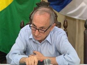 Ceoldo explica que dos R$ 2,4 bilhões previstos no orçamento do próximo ano, R$ 1 bilhão já está comprometido (Foto: Ronaldo Gomes/EPTV)