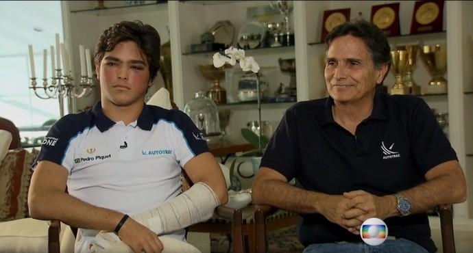 Pedro Piquet, em recuperação do acidente, ao lado do pai, o tricampeão Nelson Piquet, em Brasília (Foto: TV Globo)