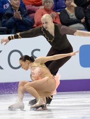 Mari Vartmann cai no Mundial de patinação do gelo, no Canadá (Foto: AFP)