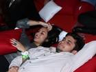 Bruno Gissoni e Yanna Lavigne curtem show em clima romântico