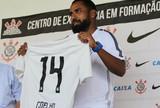 Coelho assume equipe sub-20 e mira integração com profissional do Timão