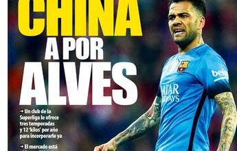 Clube chinês faz proposta de R$ 52 mi por ano para ter Daniel Alves, diz jornal