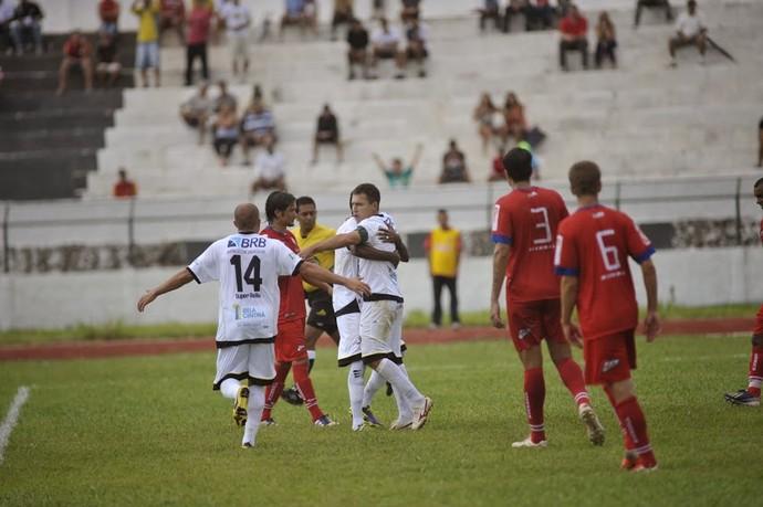 Dimba comemora gol Sobradinho 4 x 2 Unaí Campeonato Brasiliense Candangão (Foto: Brito Junior / Divulgação)