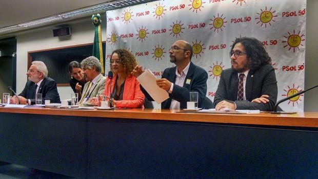 Cúpula do PSOL concede entrevista coletiva para comentar conjuntura política e econômica do país (Foto: Henrique Arcoverde / G1)