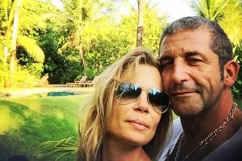 Alexia Dechamps e o namorado (Foto: Reprodução/Instagram)