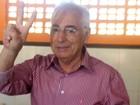 Candidato à reeleição, Guilherme Menezes vota em Vitória da Conquista