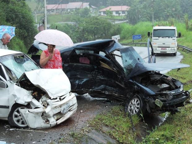 Duas mulheres morrem em acidente em Blumenau (Foto: Jaime Batista da Silva/Divulgação)