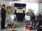 Gêmeos vítimas de acidente em carro da família são sepultados na Bahia