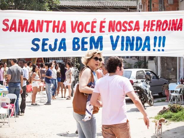 O churrasco de homenagem para Samantha acabou na maior confusão (Foto: Raphael Dias/TV Globo)