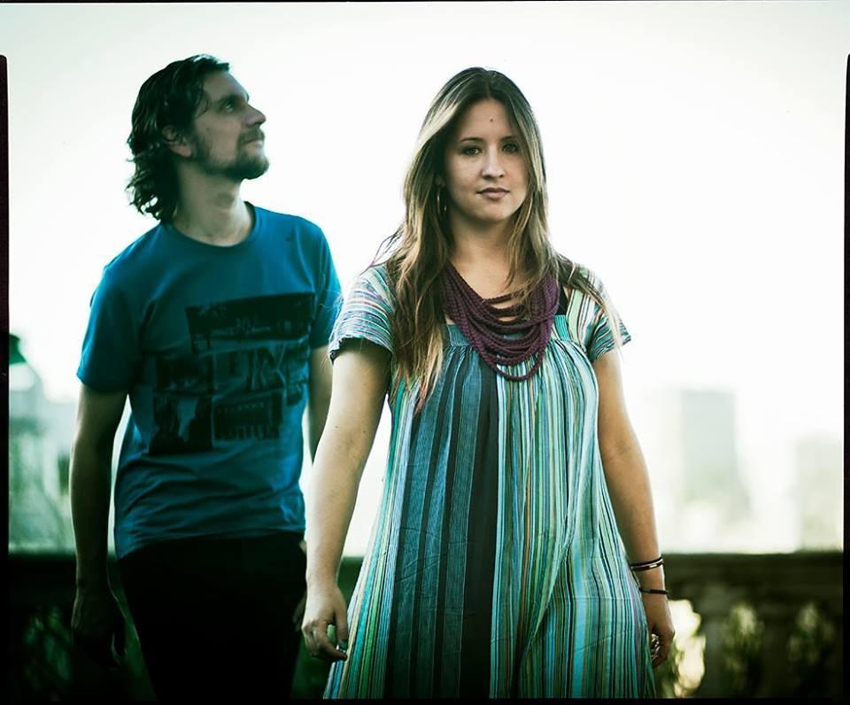 Estrela Leminski e Téo Ruiz fazem pocket-show na abertura da Semana Literária